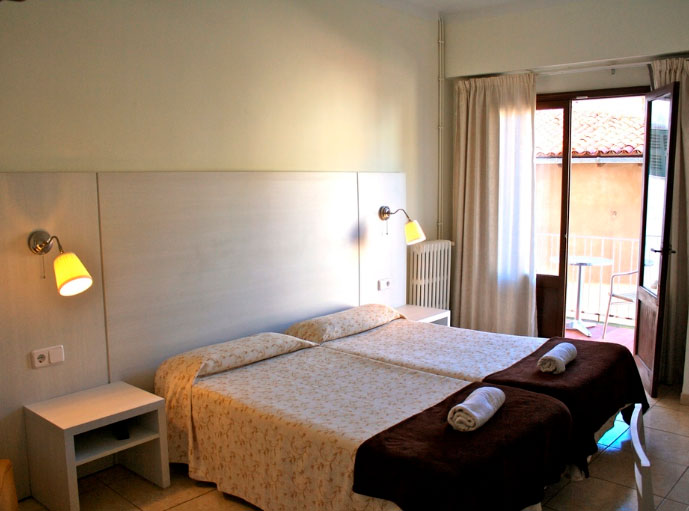 facilities triple room hotel miramar puerto de soller